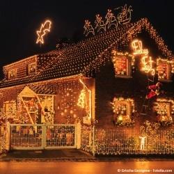 vÁnoční světelné dekorace dum