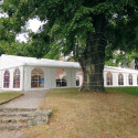 Zahradní párty stany a přístřešky – velmi vděčná věc na vaší zahradě