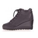 Víme, jak vybrat stylové dámské pantofle a kde je koupíte levně