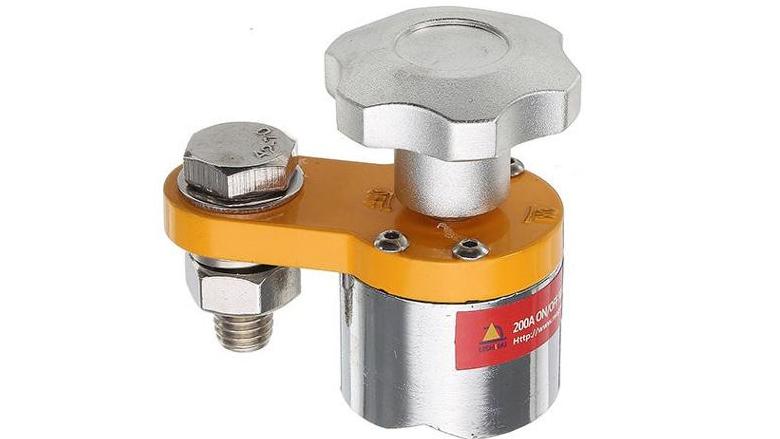 Fotografie: svařovací magnety